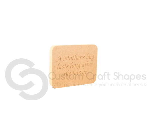 Engraved Plaque with Rounded Corners, 'A Mother's Hug...' (18mm)