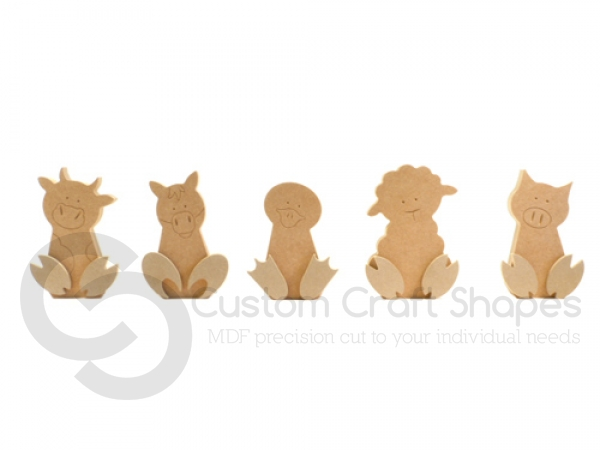 Freestanding Wonky Farm Set, with 3D feet and engraved details (18mm)