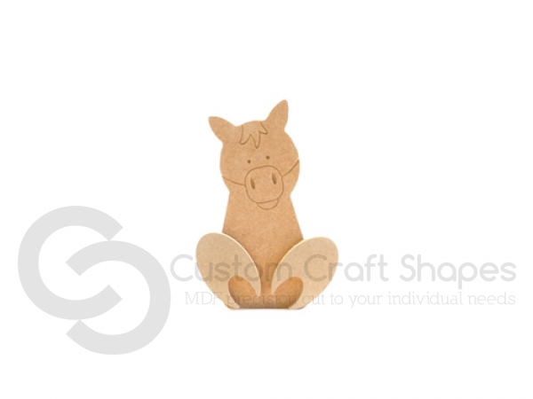 Freestanding Wonky Horse with Engraved Face and 3D Feet (18mm)