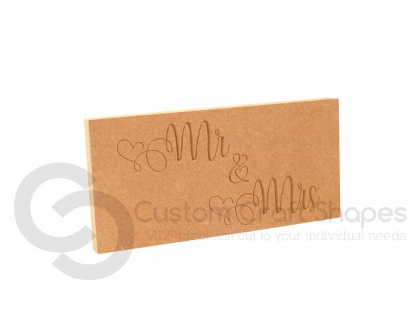 Mr & Mrs, Engraved Plaque (18mm)