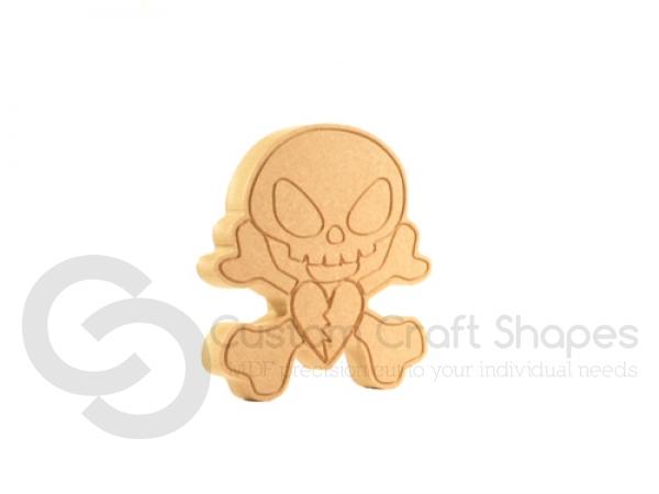 Skull & Crossbones with engraved details (18mm)